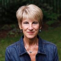 Headshot of Dr. Alison Arnold